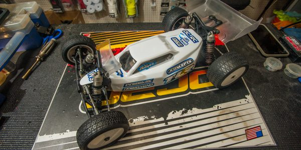 Under the Hood: Jake Thayer's TLR 22 4.0