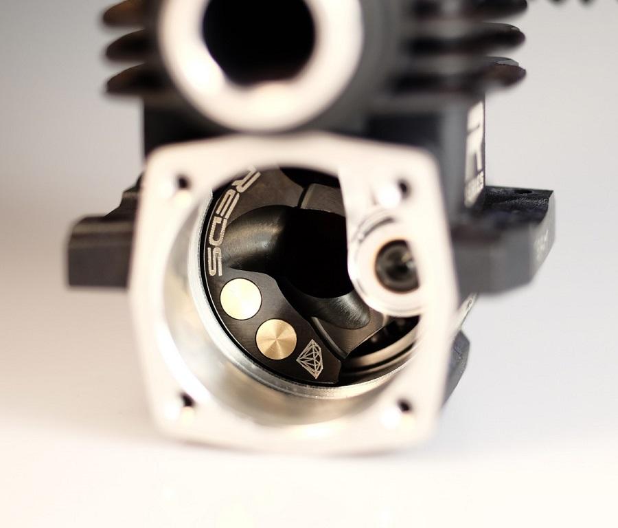 REDS WR7 Diamond Edition Nitro Engine (5)