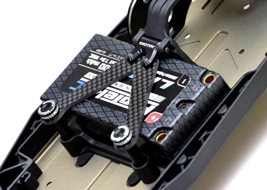 Exotek 22 4.0 Laydown Gear Box Carbon Fiber Battery Strap (2)