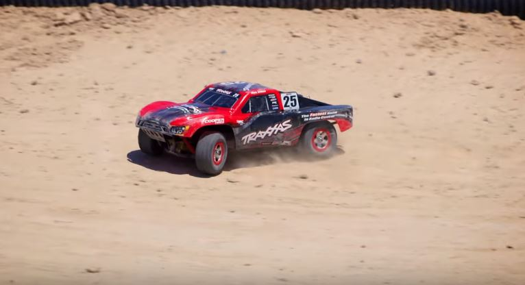 Go-Anywhere Fun With The Traxxas 1_16 Slash 4X4