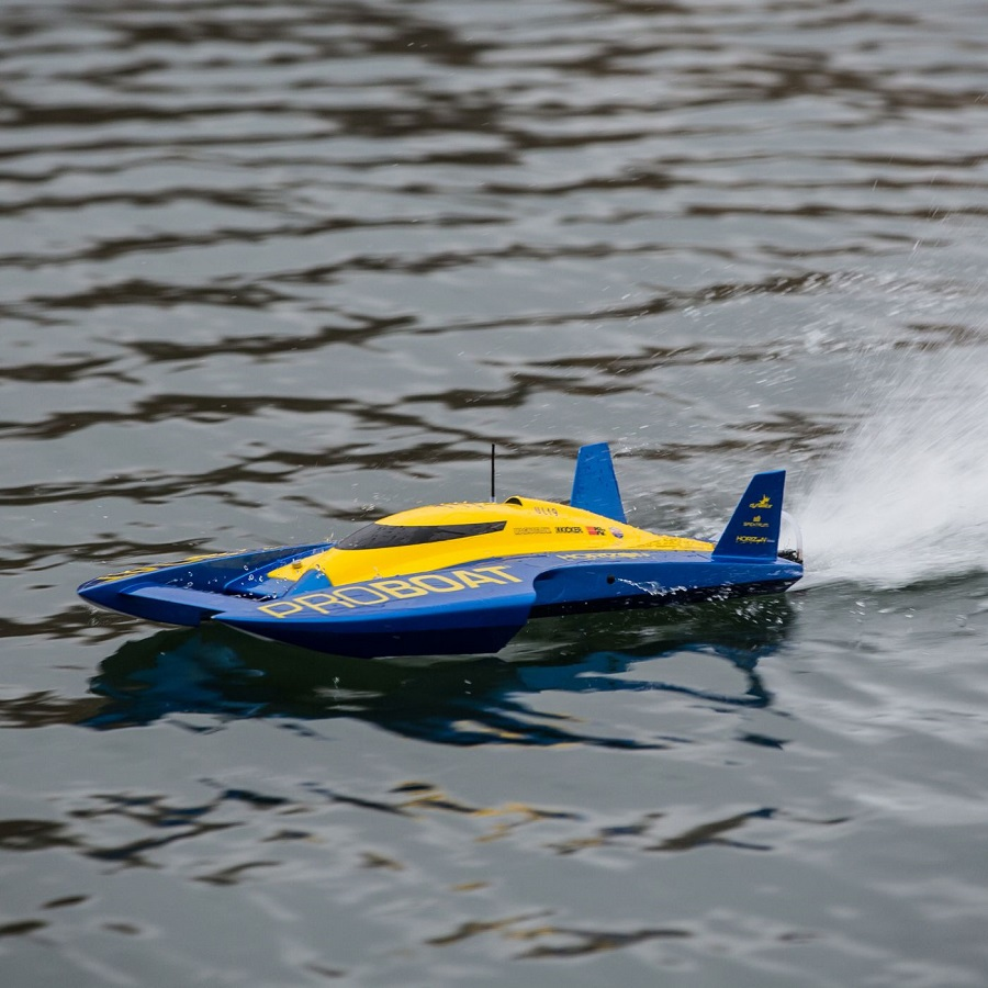 Pro Boat RTR UL-19 30-inch Hydroplane Brushless (1)