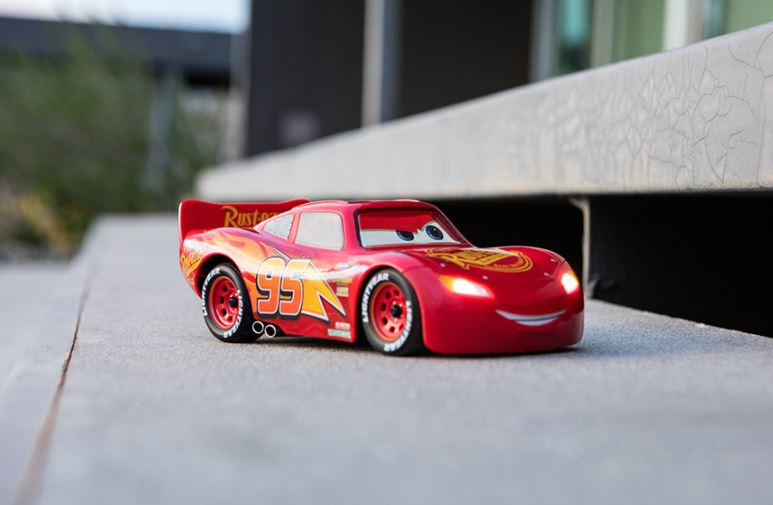 Ultimate Lightning McQueen RC Car (2)