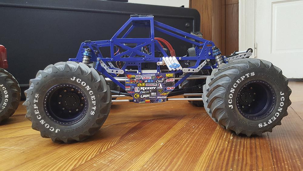 KK2 chassis, AX10 transmission, Pro-Line, LRP