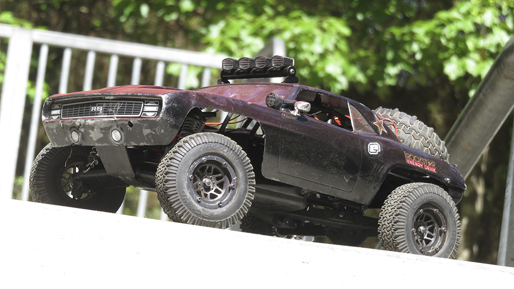 Vaterra Twin Hammers, Camaro RS, Axial SCX10, RC4WD