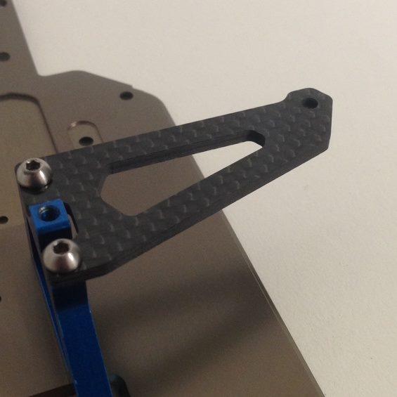 Schelle Antenna-Less B64 Carbon Servo Plate (2)