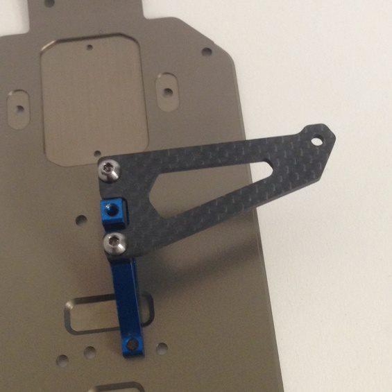 Schelle Antenna-Less B64 Carbon Servo Plate (3)