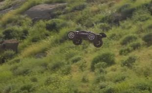 Traxxas E-Revo Massive Dirt Jumps [VIDEO]