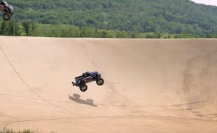 Traxxas Stampede 4X4 VXL Downhill Snake Run [VIDEO]