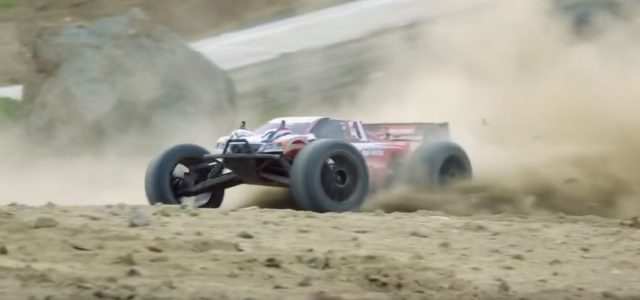 Trophy Truggy FLUX Dust Up [VIDEO]