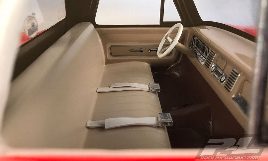 Pro-Line Clear Classic Interior (4)