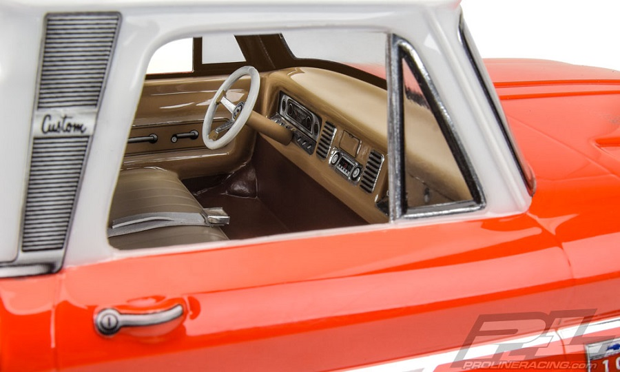 Pro-Line Clear Classic Interior (6)