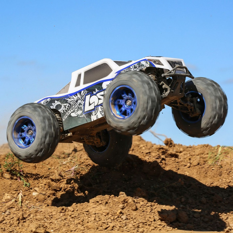 Losi RTR 1_8 LST 3XL-E 4WD Monster Truck (1)