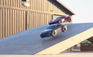 Traxxas Ford GT &  Mustang GT Road Racing Fun [VIDEO]