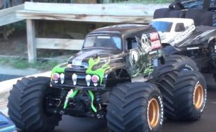 RC Monster Truck action, New York style! [VIDEO]