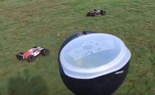 RC Cars Vs Paintballers [VIDEO]