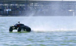 Traxxas X-Maxx Hydroplanes a HALF MILE [VIDEO]