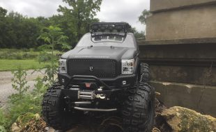 Super-Detailed Super-Duty Ford F-250 Axial SCX10 [READER'S RIDE]