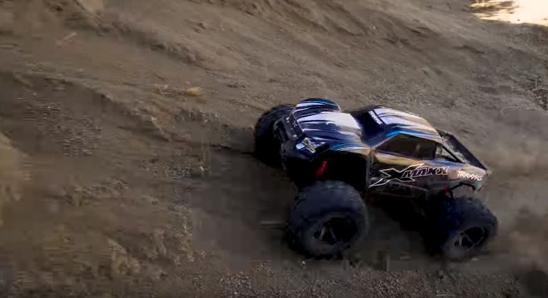 Dirt Domination With The Traxxas X-Maxx