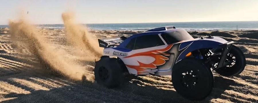 Associated Reflex DB10 & Trophy Rat Hit The Dirt