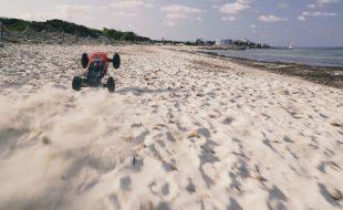 ARRMA Talion 6S BLX Truggy Beach Attack [VIDEO]