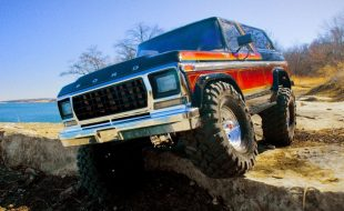 Traxxas Ford Bronco Goes Four-Wheelin' [VIDEO]