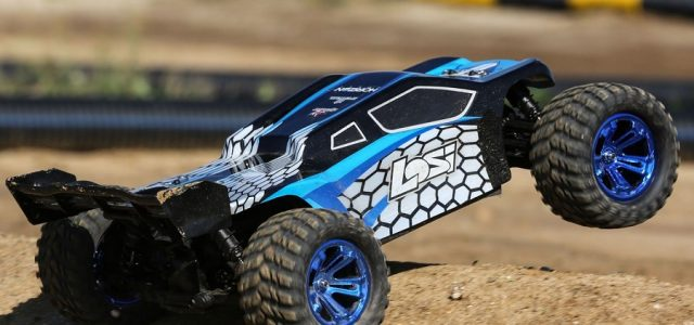 Losi RTR 1/10 TENACITY-T 4WD Truggy [VIDEO]