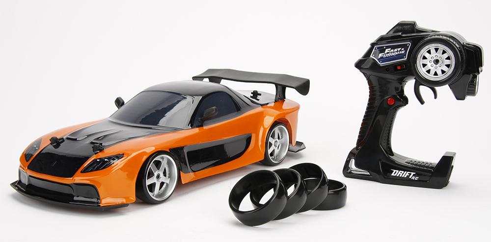 Jada goes Tokyo-Drifting with Fast & Furious RX7 and Skyline GT-R [SNEAK PEEK]