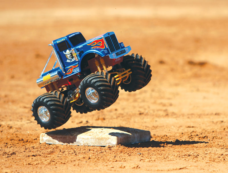 RC Review Tamiya Bullhead -  test drive
