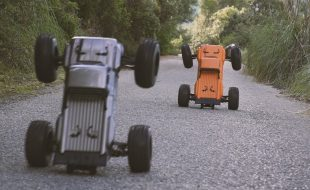 ARRMA Outcast 6S BLX Bashing Brothers [VIDEO]