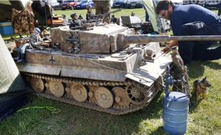 Hey, Wanna See Some Huge RC Tanks? [VIDEO]
