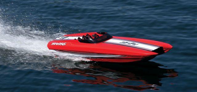 Traxxas Red Edition M41 Widebody Catamaran [VIDEO]