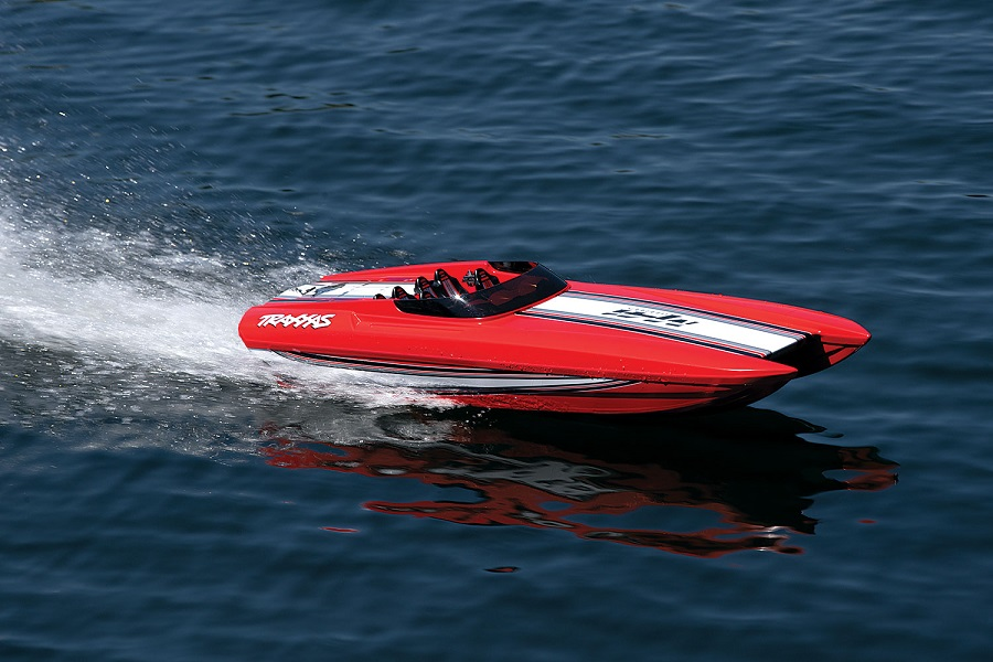 Traxxas Red Edition M41 Widebody Catamaran