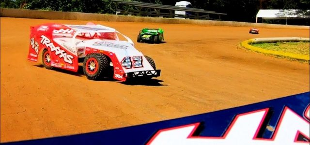 Traxxas Slash Modified Dirt Oval Racing [VIDEO]