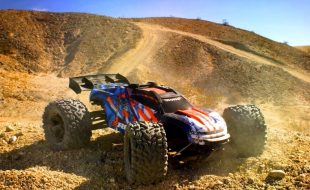 Ultimate Desert RC Battleground With The Traxxas E-Revo