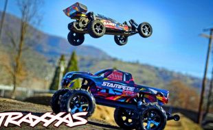 Dirt-Jumping Fun With The Traxxas Bandit & Stampede VXL [VIDEO]