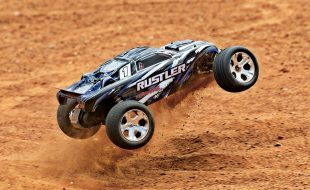 Traxxas Rustler Now Available In New Blue & Red Paint Schemes [VIDEO]