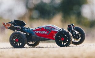 ARRMA 1/8 TYPHON 3S BLX 4×4 Brushless Buggy RTR [VIDEO]