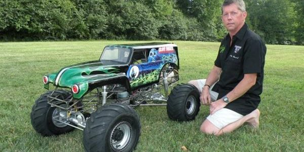 1/4 Scale Grave Digger With Real V8 Power! [VIDEO]