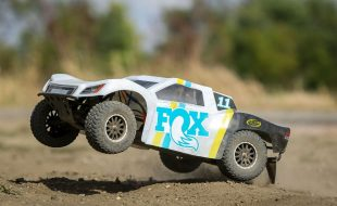 Losi 1/10 TENACITY 4WD SCT Brushed RTR With Fox Racing Shocks Or Method Wheels Body