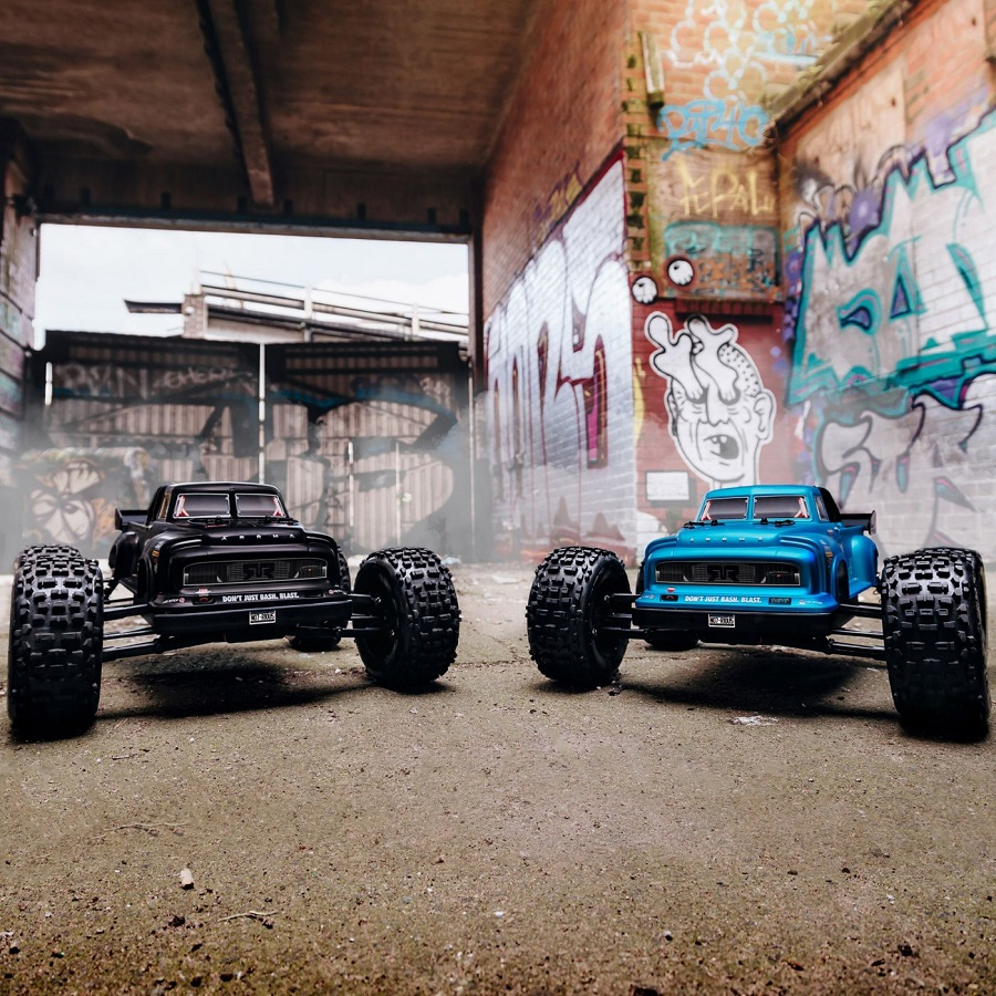 ARRMA 2019 1/8 NOTORIOUS 6S BLX 4WD Brushless Classic Stunt Truck RTR