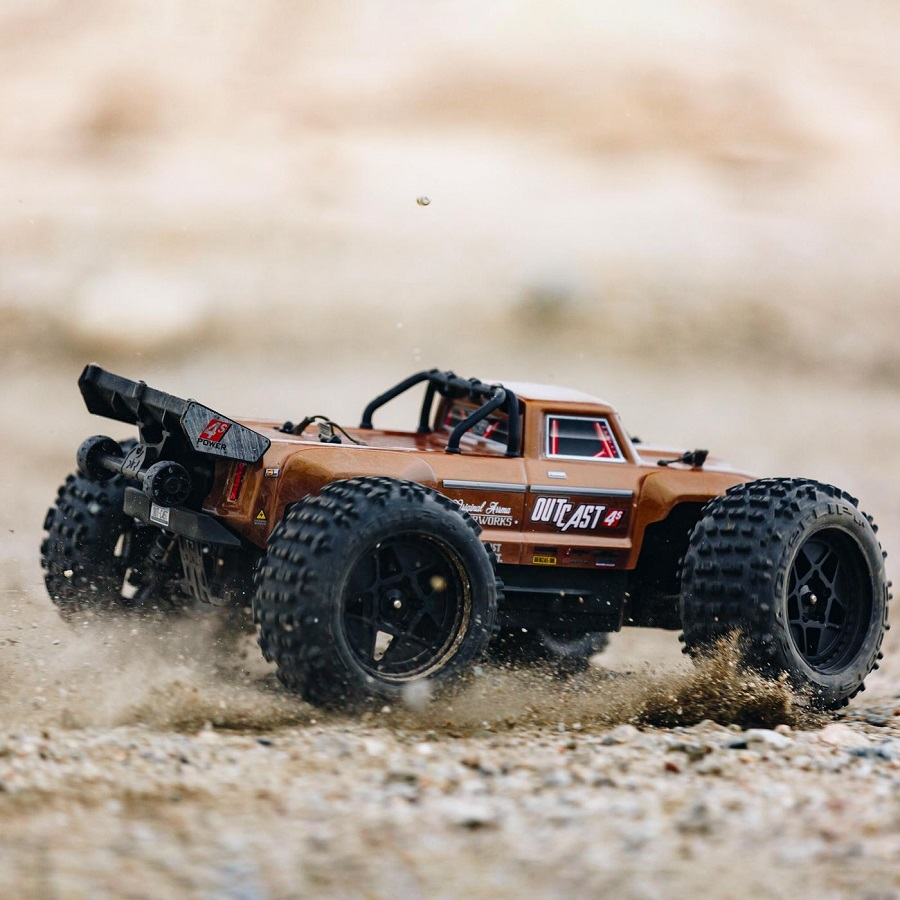 ARRMA 1/10 OUTCAST 4x4 4S BLX Brushless Truggy RTR