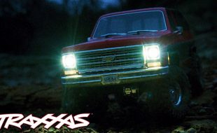 TRX-4 Blazer Lights Up the Night [VIDEO]