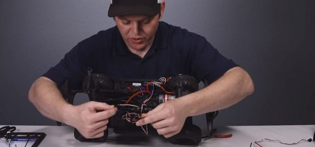 How To: Change TRX4 Micro Servos To EcoPower 640T [VIDEO]