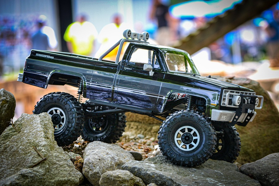 JConcepts Debuts 1982 GMC K10 Clear Body & Crawler Drawstring Bag At Team KNK TTC 6