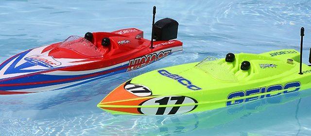 Pro Boat Miss GEICO & Lucas Oil Boat 17″ Power Boat Racer Deep-V RTR [VIDEO]