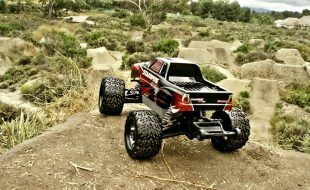 Dirt Jump Paradise With The Traxxas Stampede 4×4 VXL [VIDEO]