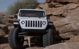 Up Close With The Axial SCX10 III Jeep Wrangler Rubicon JLU Kit [VIDEO]