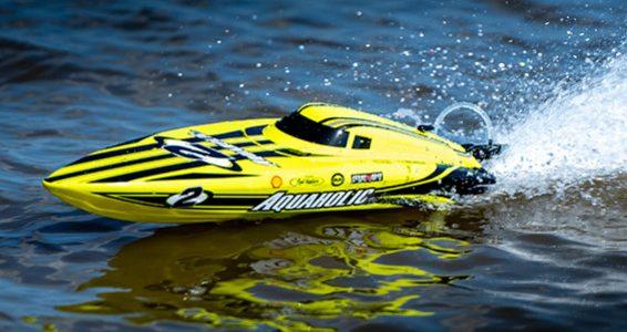 HobbyKing Aquaholic V2 Brushless Powered Deep Vee Racing Boat [VIDEO]