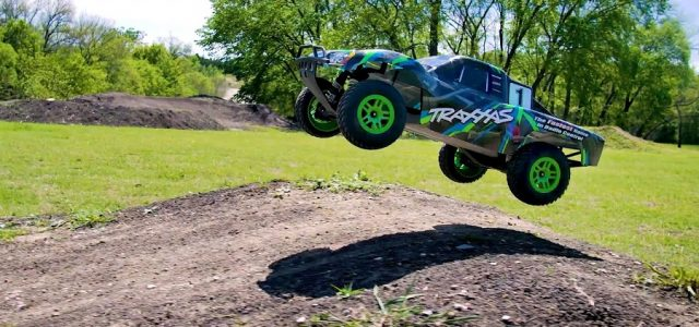 Traxxas Slash 4×4 Short Course High-Flyer [VIDEO]