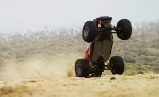 Monster Beach Blast With The Traxxas Hoss 4X4 VXL [VIDEO]
